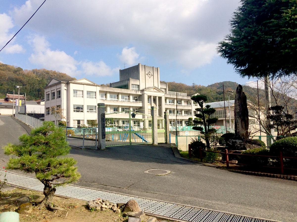 荘野小学校