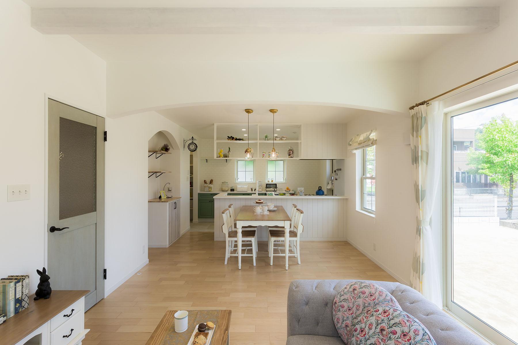 carina 南イタリアの白い家