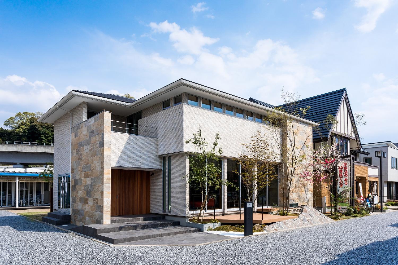 大開口の「GIAZO」で憧れの二世帯住宅へ