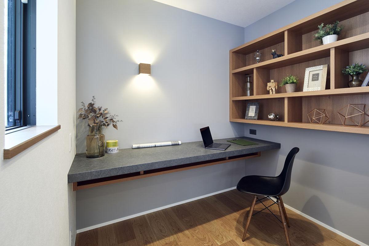 【書斎で自分だけの空間作り】間取りの注意点などを解説