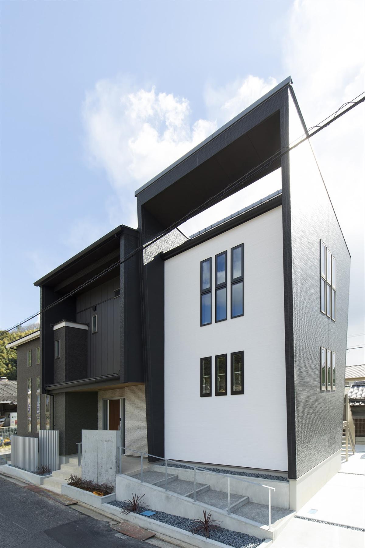 建物に斜線を取り入れることで、見る角度によって表情を変えるスタイリッシュなデザイン。