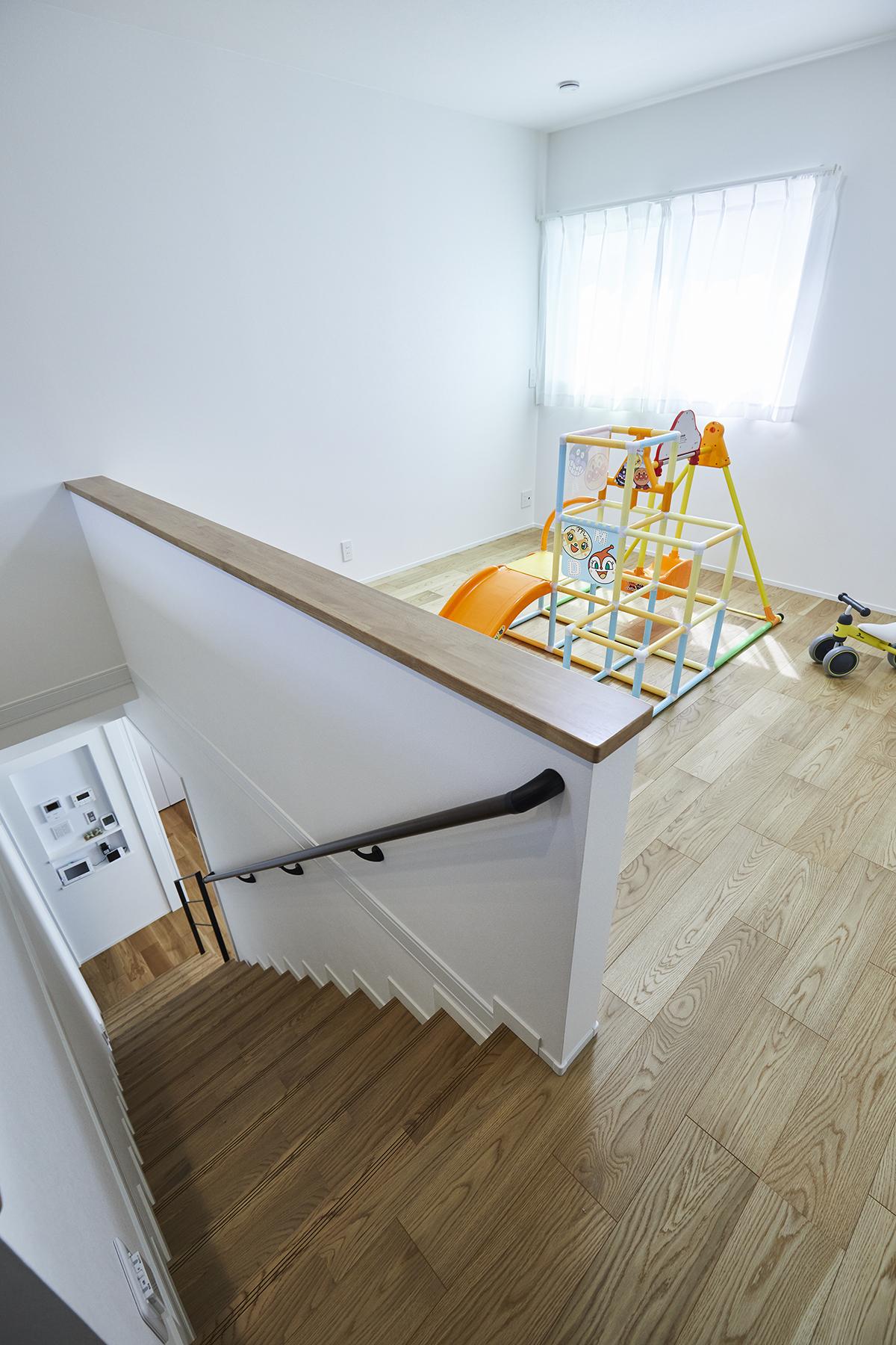 階段横のフリースペースは将来間仕切りを導入して部屋数を増やすこともできます。