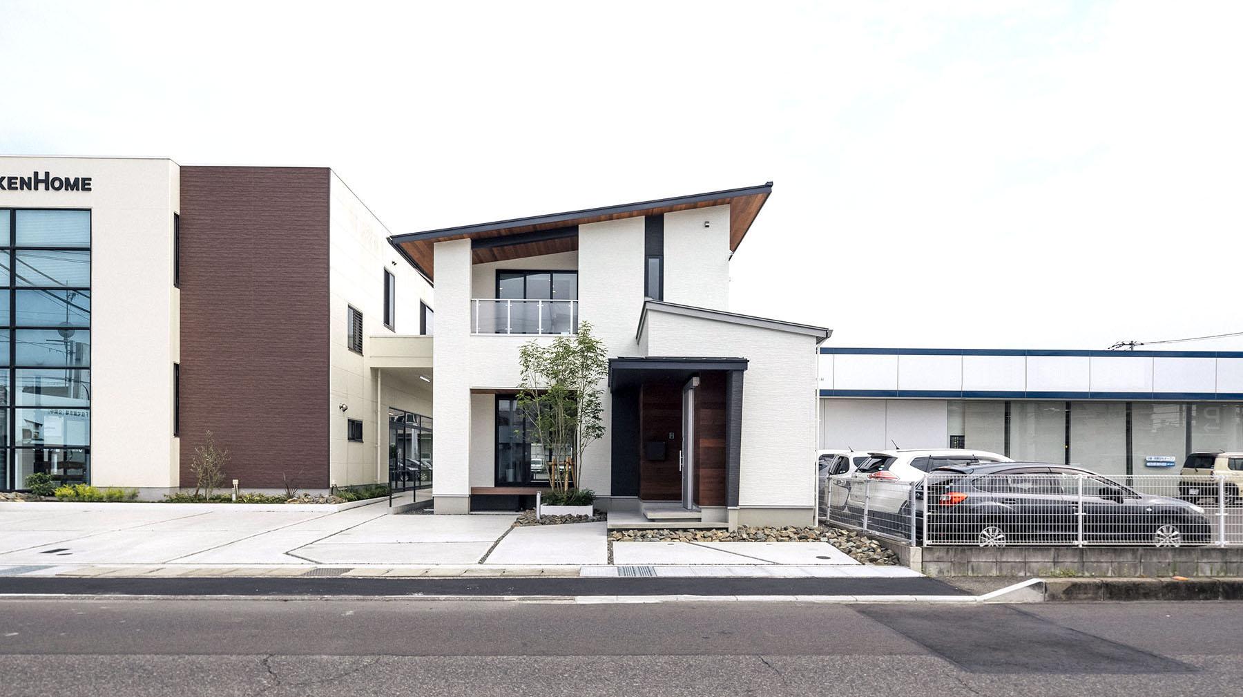 〈福山市南蔵王〉40坪の敷地に建つ実寸大モデルハウス「LIF」