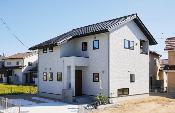 〈東広島市西条寺家 新モデルハウス〉災害時に配慮したシンプルナチュラルの家