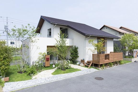 〈ふれあいホームタウンかんなべ住宅展示場〉ナチュラルデザインの家「Kinari」